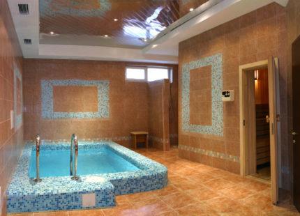 Отличие бассейна от купели